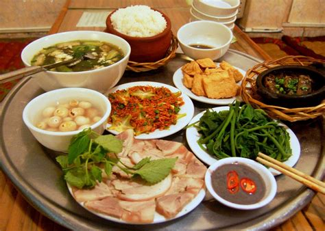 traditional cuisine of traditional family meals style