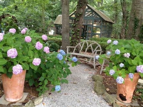 Garden Types : Design A Woodland Garden