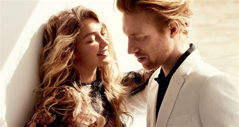 Gigi Hadid Kisses 'star Wars' Actor Domhnall Gleeson For