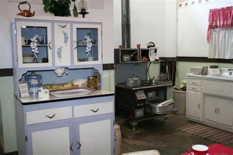1940s Kitchen Design  Lovetoknow