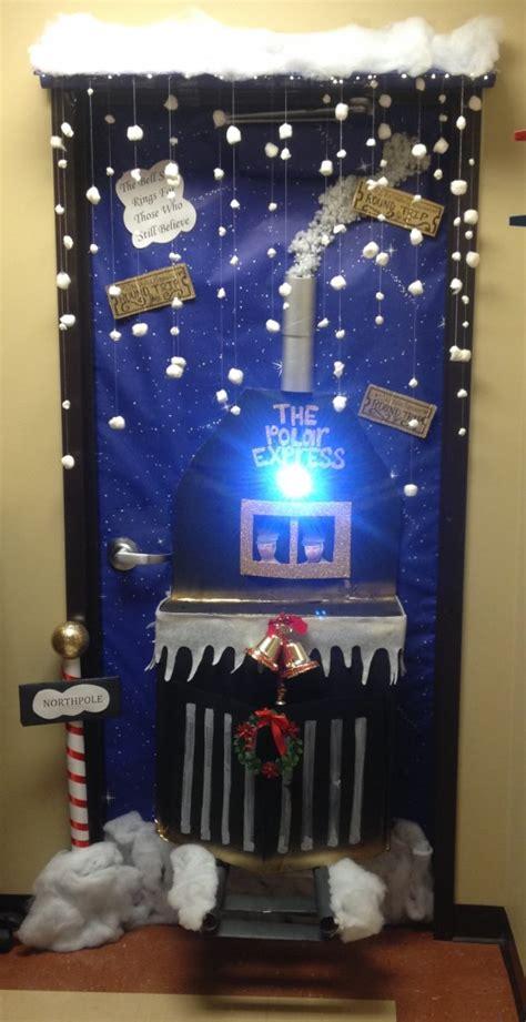 christmas door decorating contest mid tennessee bone