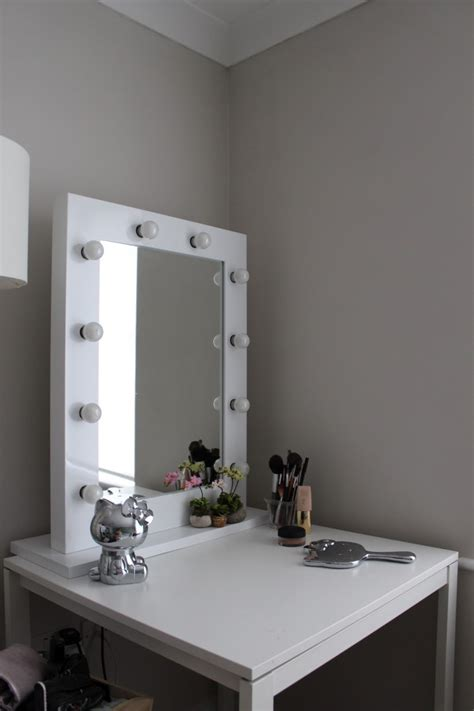makeup vanity table with lights wonderful theme of vanity makeup table with lights
