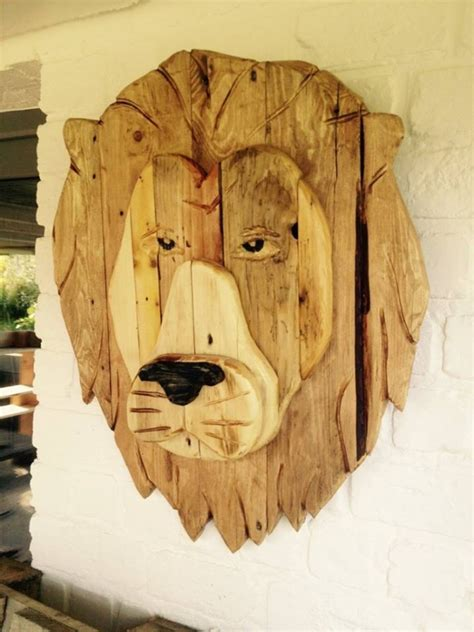 recycled pallet wood art upcycle art