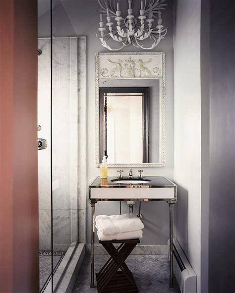 decorate  small bathroom