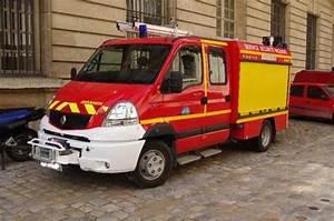 Renault Versailles : service de securite incendie chateau de versailles photographies de v hicules pompiers ~ Gottalentnigeria.com Avis de Voitures