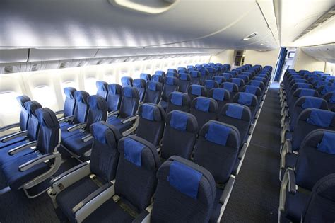 United Airlines Boeing 777 New Economy cabin Interior | Flickr