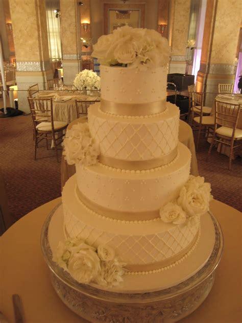 white champagne wedding cake cake  art  cake