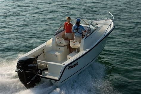 Mako Boats Sink by Research Mako Boats 215 Express On Iboats
