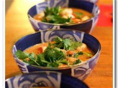 cuisine thailandaise recettes faciles recette soupe thailandaise de crevettes à la citronnelle