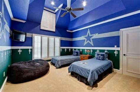 awesome themed bedding great for cowboys themed room how 39 bout dem cowboys