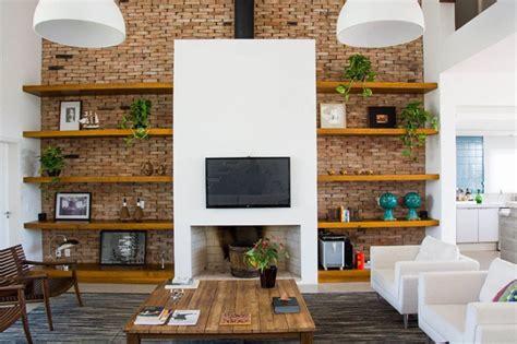 mensole in muratura arredare soggiorno con parete porta tv per schermo piatto