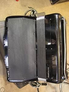 Cordovox Super V Accordion W Maestro  Tone Generator  Amp