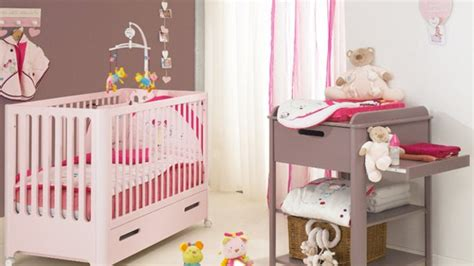 chambre fille taupe deco chambre bebe fille taupe et visuel 3