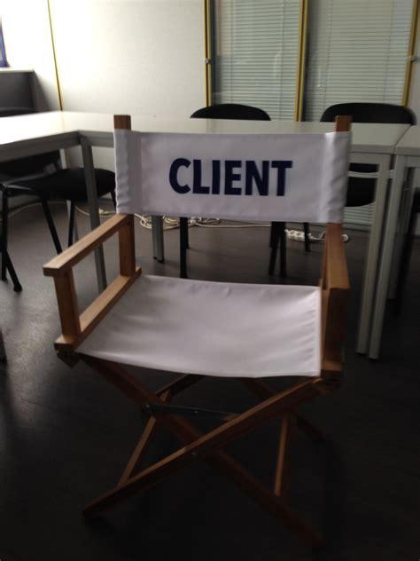 une chaise vide resume symboliser l importance du client via une chaise vide lors de vos réunions