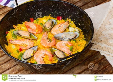 recette de cuisine en espagnol paella plat espagnol traditionnel images stock image