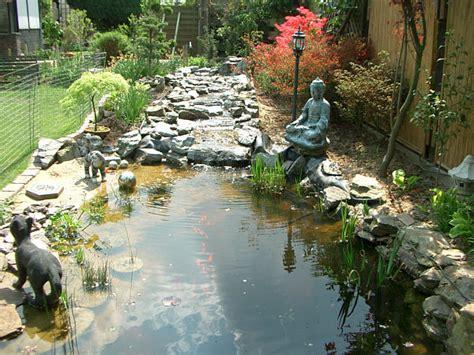 Haralds Garten  Bach Und Quelle