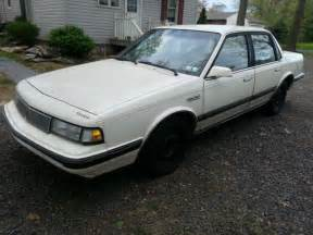 1990 Oldsmobile Cutlass Ciera Base Sedan 4