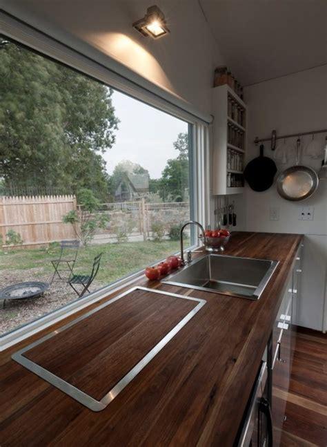 Man Builds Modern 210 Sq. Ft. Tiny Home: Minim Home