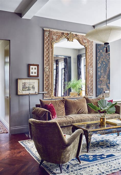An Unapologetically Oldfashioned New York City Apartment