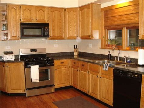 best 25 honey oak cabinets ideas kitchens with oak cabinets and oak