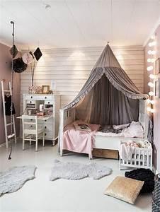 Les 25 meilleures idees concernant chambres de fille sur for A quel age bebe dort dans sa chambre