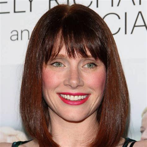 jurassic world actress name bryce dallas howard in talks to star in jurassic world