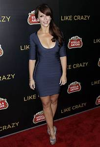 Jennifer Love Hewiit Showing Big Cleavage In Blue Tight