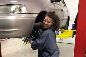 Clinic Auto : girls auto clinic is empowering women to become mechanics or shecanics ~ Gottalentnigeria.com Avis de Voitures