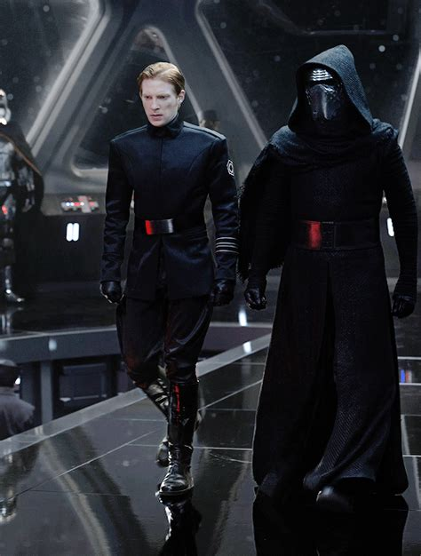 order officers power dynamics  general hux