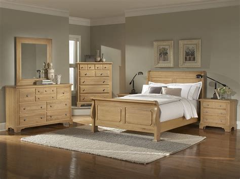 Light Colored Bedroom Furniture by Oak Bedroom Furniture Sets Washed Oak Sleigh