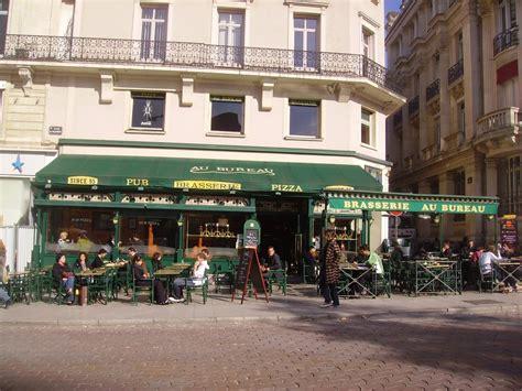 Au Bureau Pub  Closed  French  5 Place Ralliement