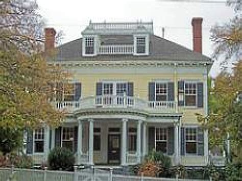 home style colonial revival architecture cape  house