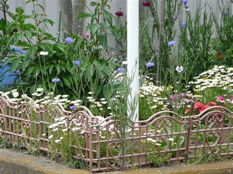 garden border fence diy garden border fencing outdoor decorations