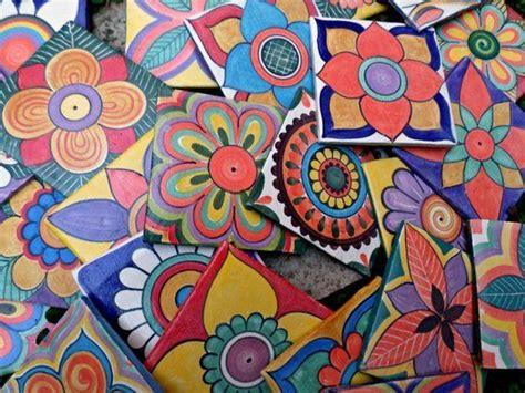 azulejos artesanales elaborados  decorados  mano
