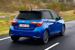 Toyota Yaris Dynamic Business : toyota yaris hybrid bi tone 2017 review pictures auto express ~ Medecine-chirurgie-esthetiques.com Avis de Voitures