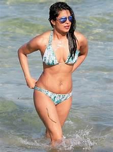Priyanka Chopra Shows Off Her Bikini Bod in Miami Beach ...