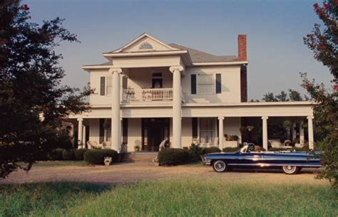"""The Help"" Four Perfectly Southern Houses from the 1960s"