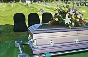 Morte del condomino moroso: se nessuno accetta l'eredità chi paga le spese condominiali?