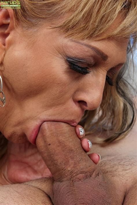 Beautiful Mature Milf Andrea Sucking On A Young Studs Big