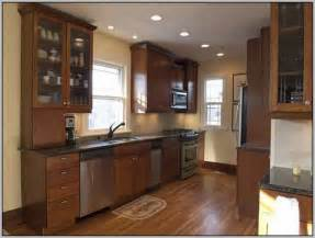 best color to paint kitchen walls with oak cabinets