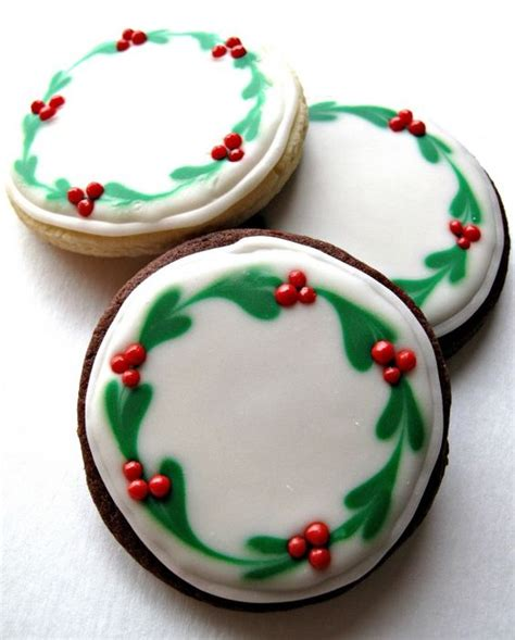decorating christmas sugar cookies decorated sugar cookies sugar cookies and wreaths on pinterest