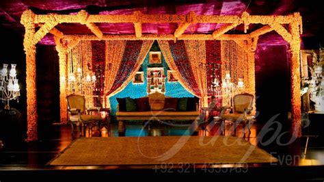 latest pakistani mehndi stage designs  mehndi stage
