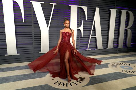 The Real Red Carpet Best Dressed Vanity