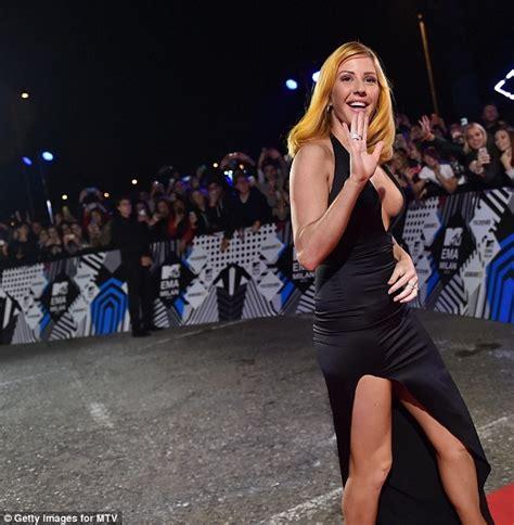 ellie goulding bares breasts  mtv europe  awards