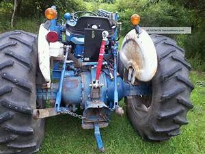 Ford 4600 Tractor Specs