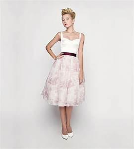 Hochzeitskleid Standesamt Schwanger : hochzeits dirndl trachten brautkleid f r das standesamt kleiderfreuden ~ Frokenaadalensverden.com Haus und Dekorationen