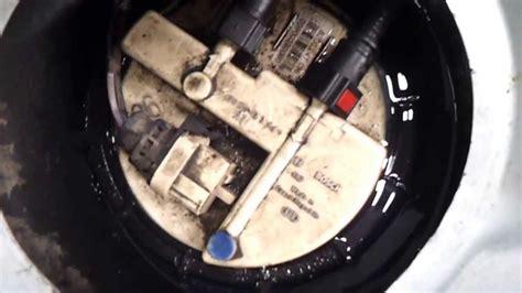 banquette arriere clio 3 fuite de carburant origine