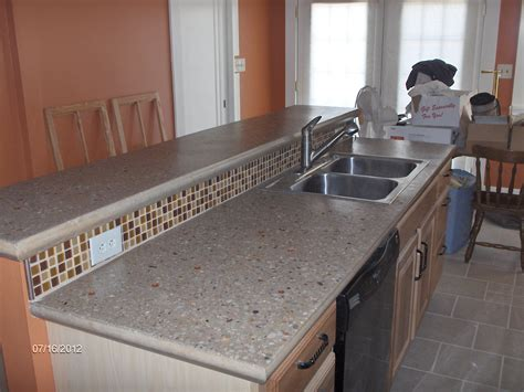 Diy Concrete Kitchen Countertops by Building And Installing Diy Concrete Countertops Elly S