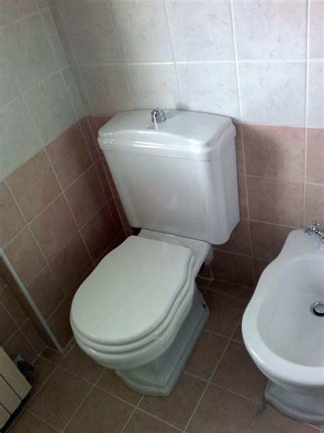 cassetta a zaino per wc foto wc con cassetta a zaino retr 242 de idealcos 117257