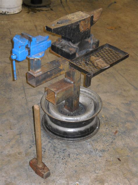 anvil vise work stand   wheel rim metal